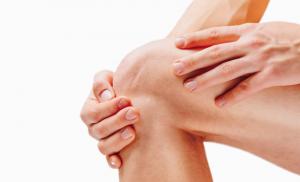 Una piccola protesi di ginocchio per curare l'artrosi causata da meniscectomia: la storia di A.M.